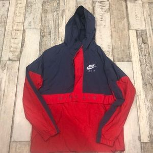 Nike Air Medium hooded windbreaker half zip vented